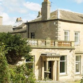 Middleham Hall - Large UK Country House - The Big Cottage Company