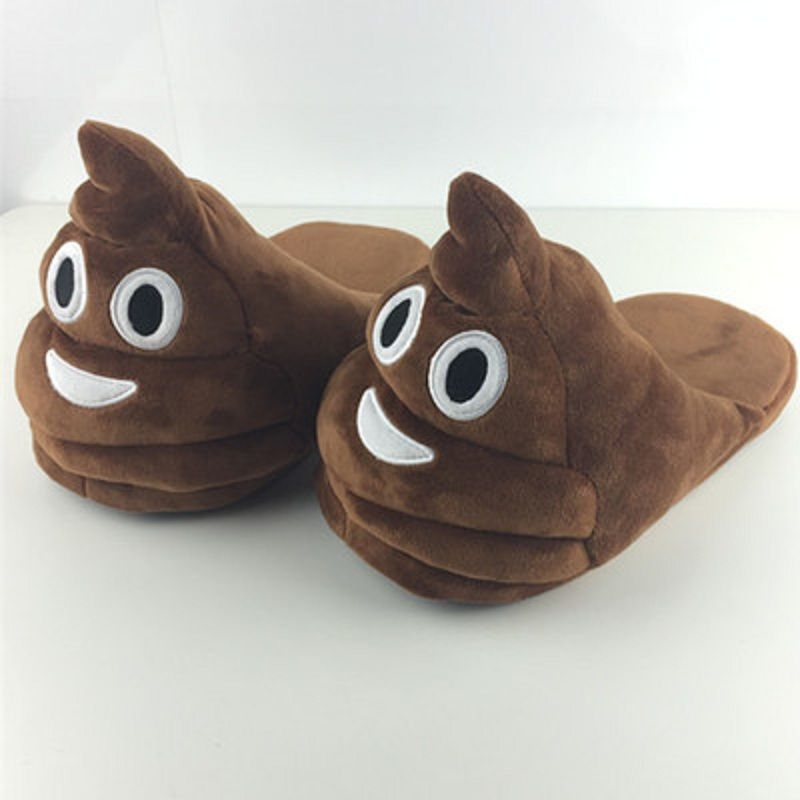 22403ff30ba10b Emoji Slippers em 2019 | Shark shoes- house shoes | Sapatos bonitos ...