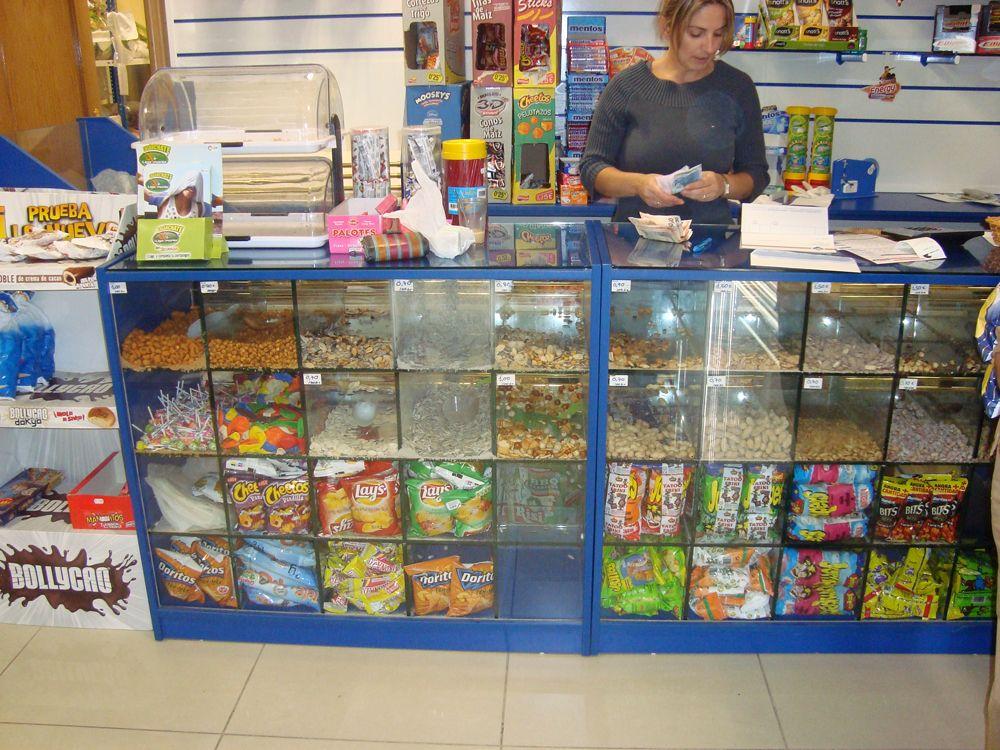 Mostradores para tiendas estanter as euroestan tienda for Muebles para negocio