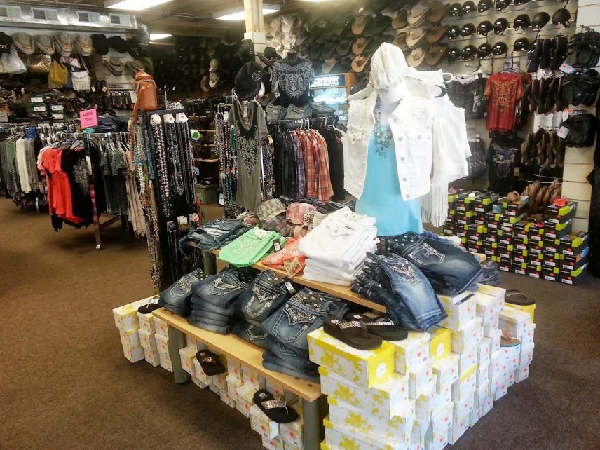 The Cowboy Way In Gatlinburg Tn Has All Your Western Apparel Needs Western Outfits Clothes Gatlinburg