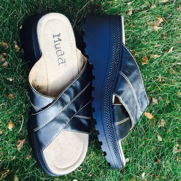 3d9184a4d4f MUDD Sandals Like New! Size 9M. Man made material. Lot No. 11-15-992 ...