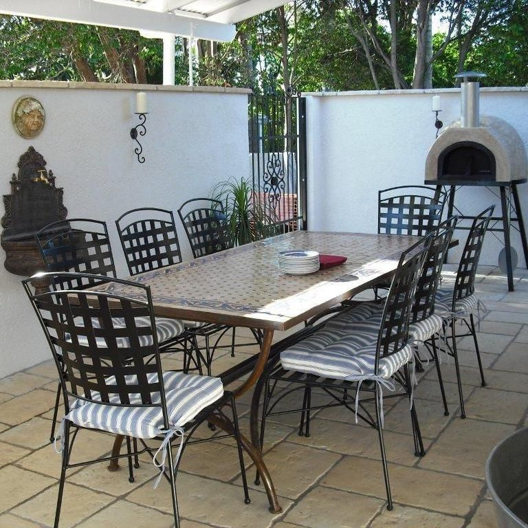 French provincial courtyard outside spaces pinterest for Courtyard landscaping brisbane