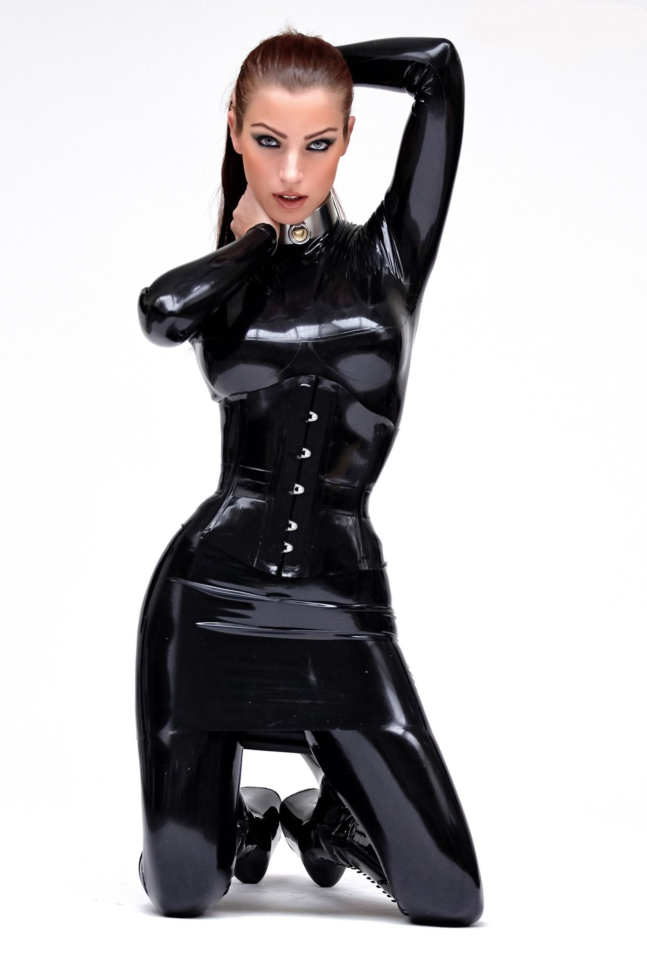 Latex and Leather is Very Sexy on the Right Woman – 27 Pics
