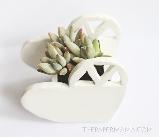 The Paper Mama: Heart-Shaped Planter DIY