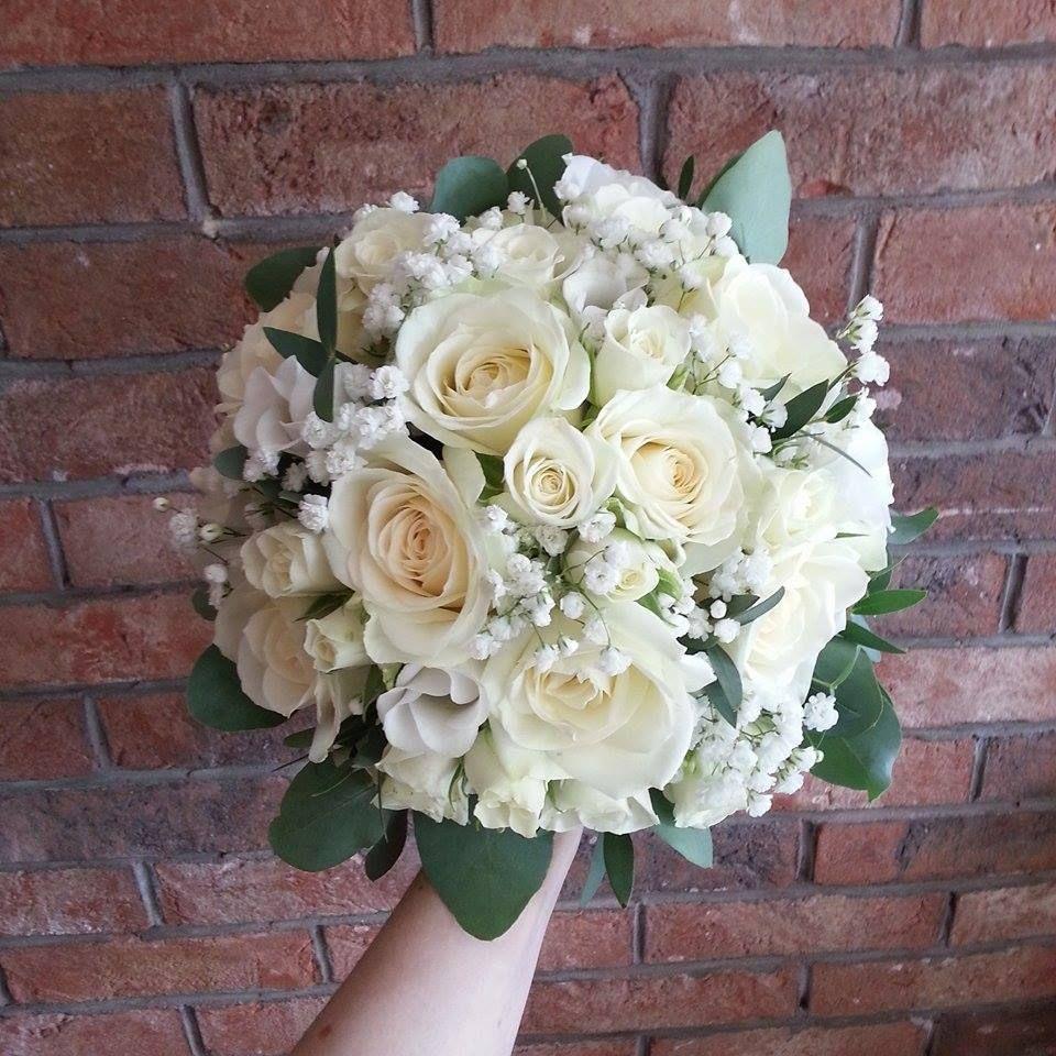 Mariage Fleurs 12 x Vintage Peach Rose en boutonnière avec Fern /& gypsophilia