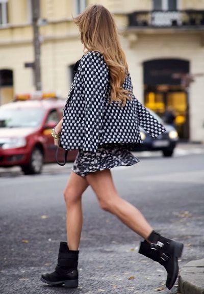 sale uk super cute half price Mini jupe fluide imprimée + veste chic + boots motardes = le ...