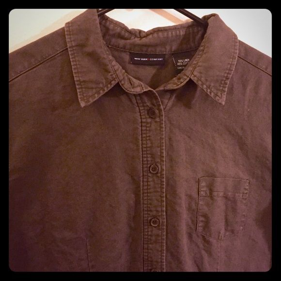 NY&Co cotton and linen shirt Cap sleeves. Well tailored to give a flattering look. Fabric has a lovely texture. Has a slightly distressed look due to washing ( second pic) but still looks very nice ( 1st and 3rd pic). Chocolate brown. New York & Company Tops Button Down Shirts