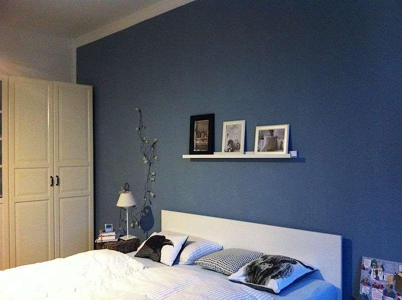 es ist toll wie dieser farbton trotz oder gerade wegen seiner mattheit dem raum eine gewisse. Black Bedroom Furniture Sets. Home Design Ideas