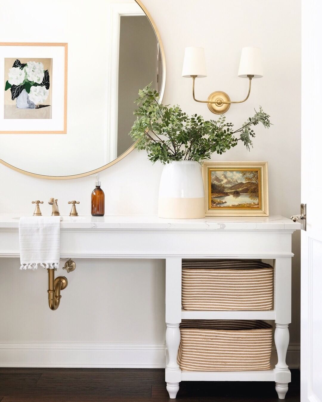 Simple And Sweet Moments From Our Echolakeproject A Bit Of Brass A Touch Of Greenery And A Clean Bright Color Palette Made This Spa Home Decor Decor Home