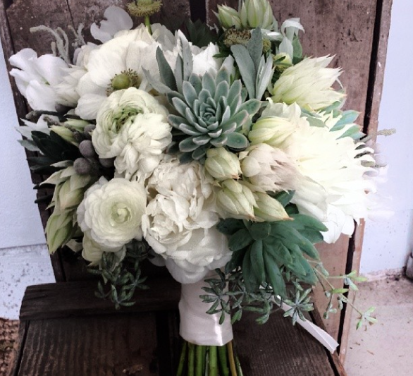 Fresh Wedding Bouquets And Boutonnieres