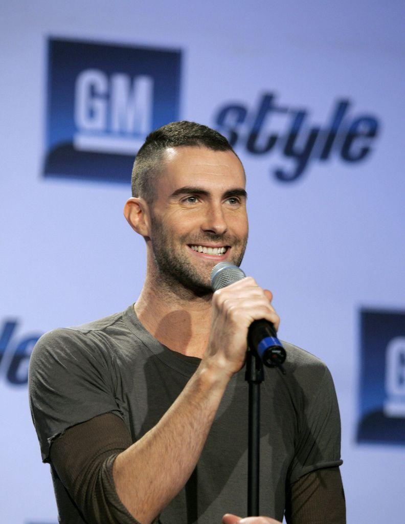 25 Eye Catching Adam Levine Haircut Styles Adam Levine Haircut Adam Levine Hair Adam Levine