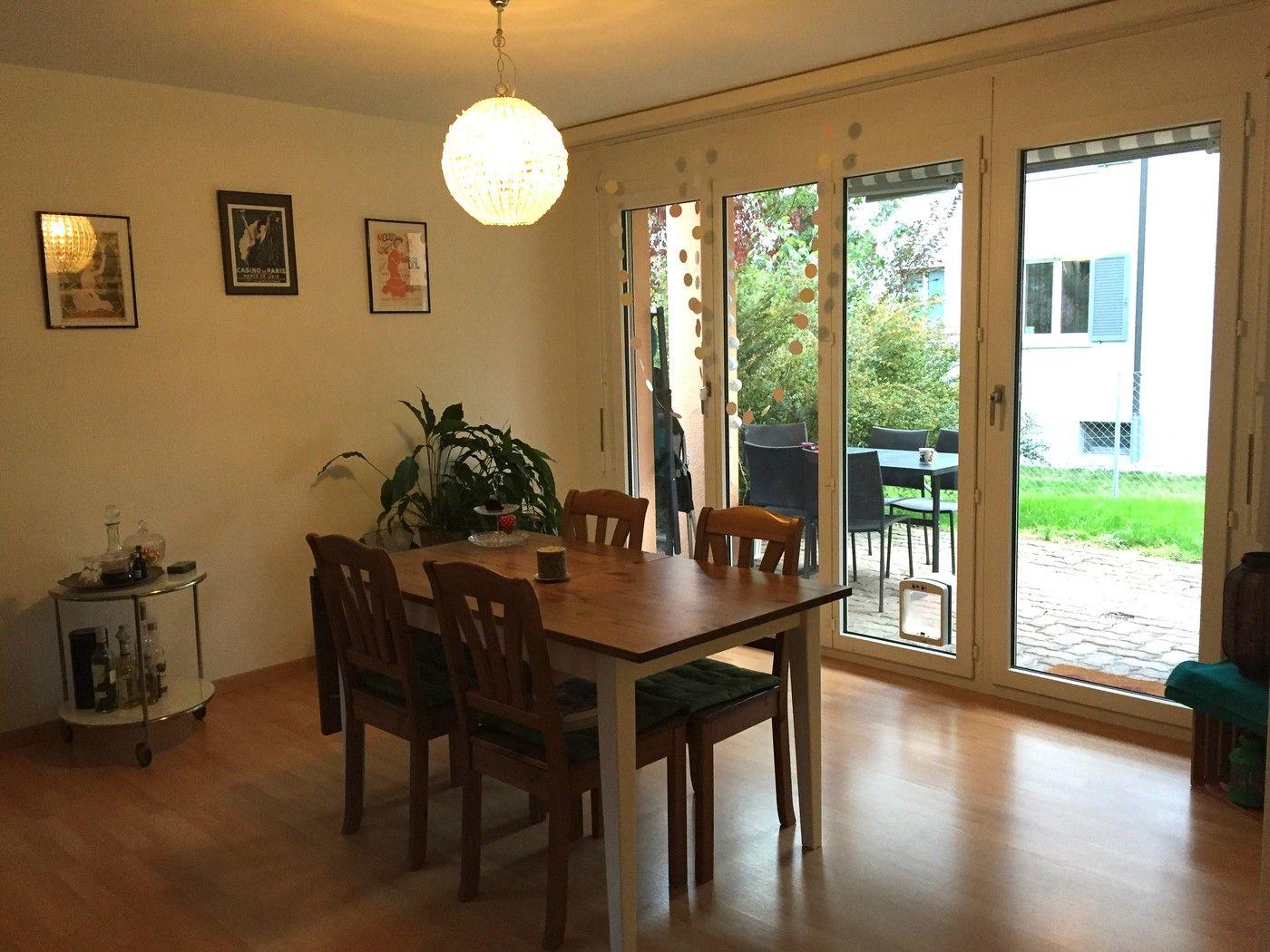 Gunstige 2 5 Zimmer Wohnung In Zurich Zu Vermieten Https Flatfox Ch De 5439 Utm Source Pinterest Utm Medium Social Utm Co Wohnung Wohnung Mieten Zimmer