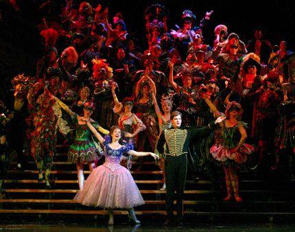 The Phantom Of The Opera Majestic Theater Manhattan Nyc Phantom Of The Opera Music Of The Night Phantom