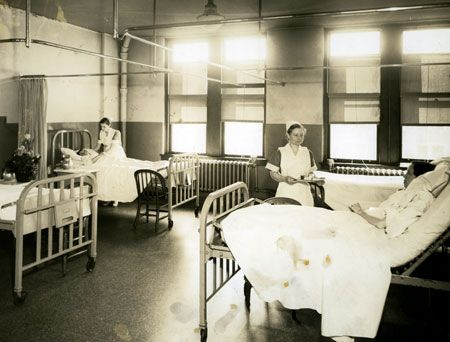 Vanderbilt School Of Nursing >> Patient ward located in Vanderbilt Hospital. The old Bellevue Hospital had wards just like this ...