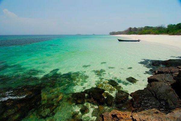 China reivindica su soberanía sobre 4.000 islas y las filma en 3D