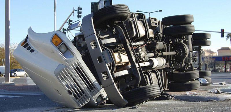 Iowa Semi Truck Accident Semi trucks, Trucks, Accident