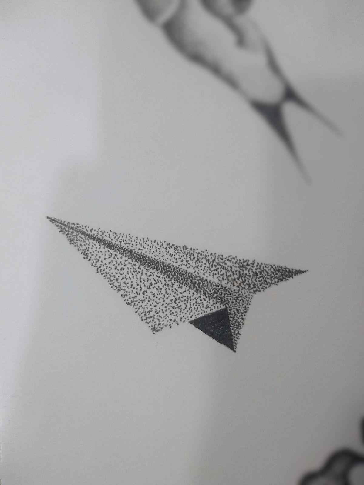 Avião De Papel Em Pontilhismo Tattoo Desenhos Pontilhismo
