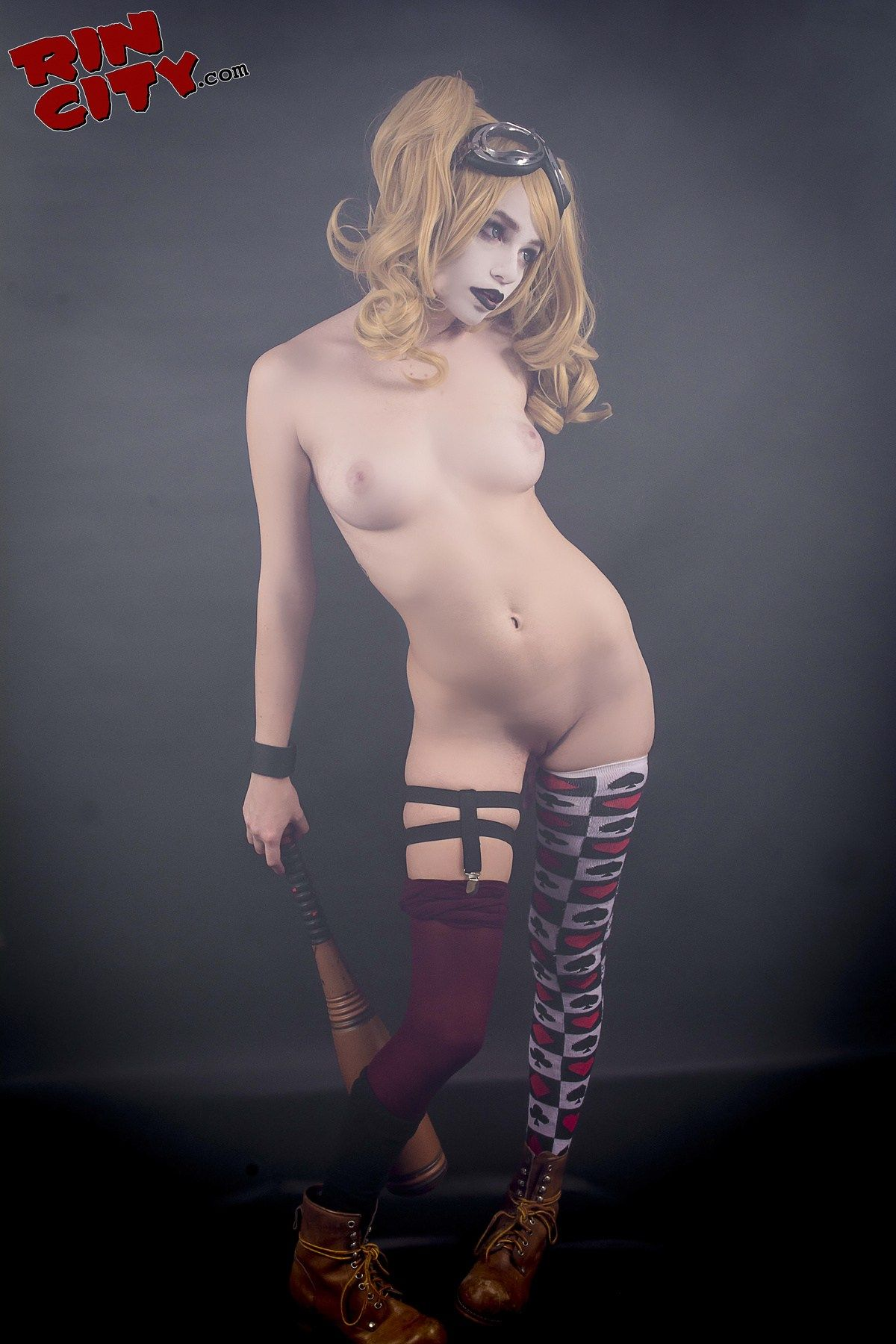 harley quinn nude pussy