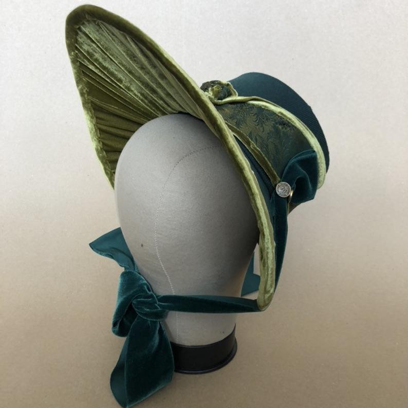 Regency Bonnet Jane Austen style in linen and antique velvet ribbon