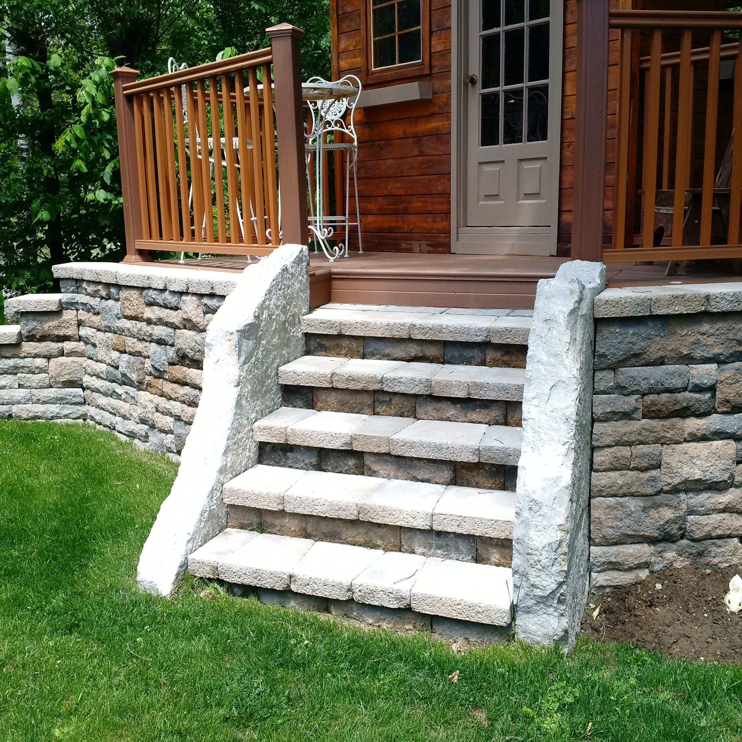 Walls And Steps With Upright Slabs Of Stone Retaining Wall Steps Retaining Wall Interlocking Pavers