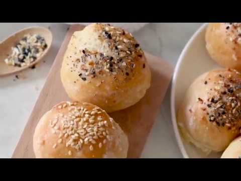 Easy, homemade, mini stuffed bagel balls filled with cream