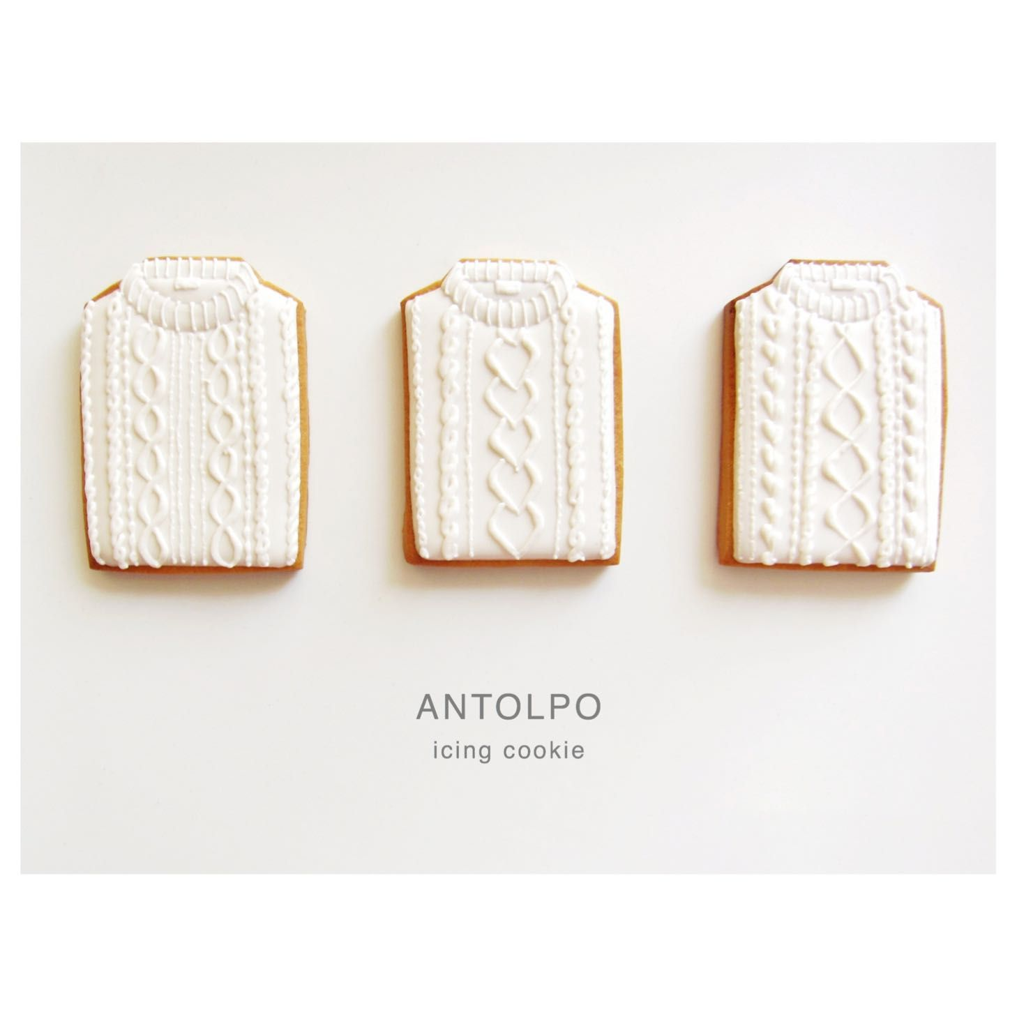 Knitted Sweater Cookie // Petit Entrepot