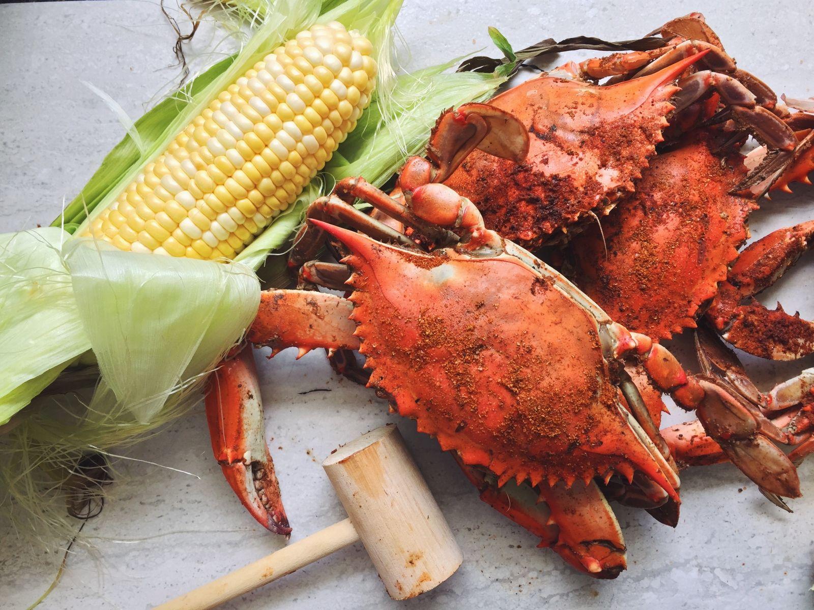 How To Steam Blue Crabs Bay Bites July 2015 Hampton Roads Metropolitan Statistical Area Crab Blue Crab Food