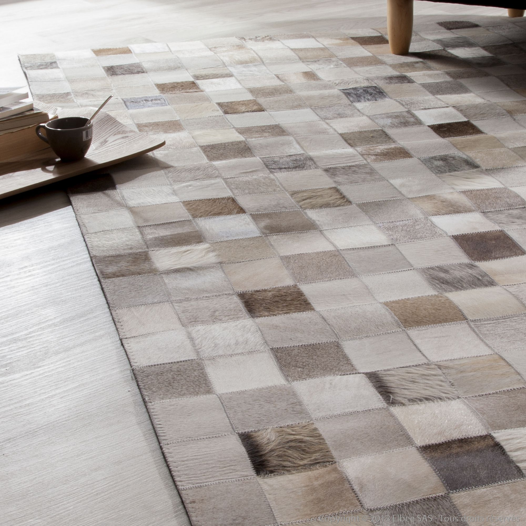 tapis 100 cuir carreaux beige effet patchwork modern akhal maison pinterest patchwork. Black Bedroom Furniture Sets. Home Design Ideas