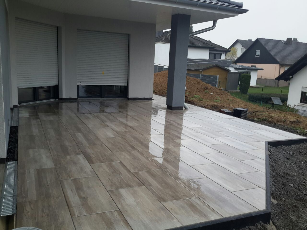 Unglaublich Vorgartengestaltung Modern Sammlung Von Terrasse Aus Keramikplatten. Großformatige Keramikplatten Wirken Sehr