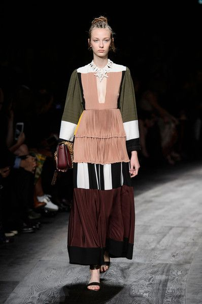 Valentino At Paris Fashion Week Spring 2016 Fashion Paris Fashion Week Fashion Week Spring