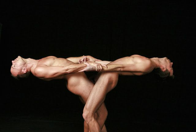 nude-yoga-partner