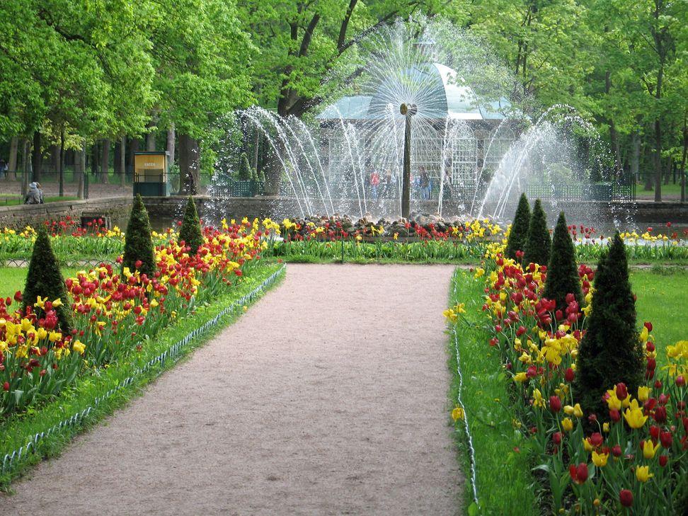 jardines hermosos con fuentes - Buscar con Google I like gardens