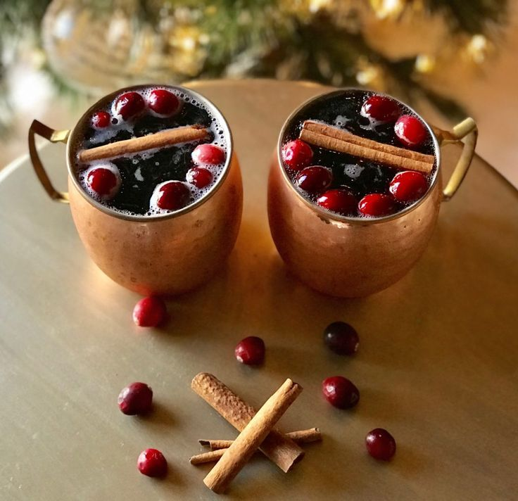 5 Holiday Cocktail and Mocktail Recipes | The Sassy Southern