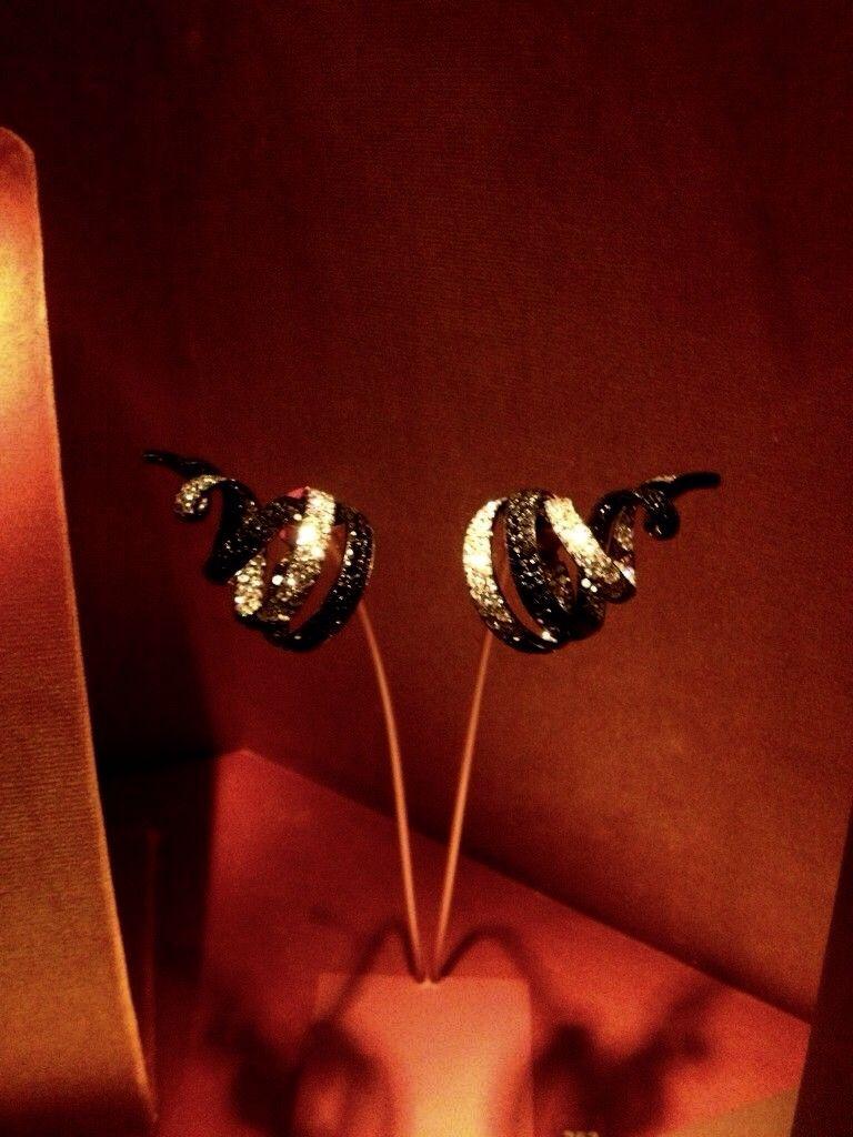 257 - Ribbon earrings by JAR Paris, 2011 - Spinels, diamonds, silver, gold