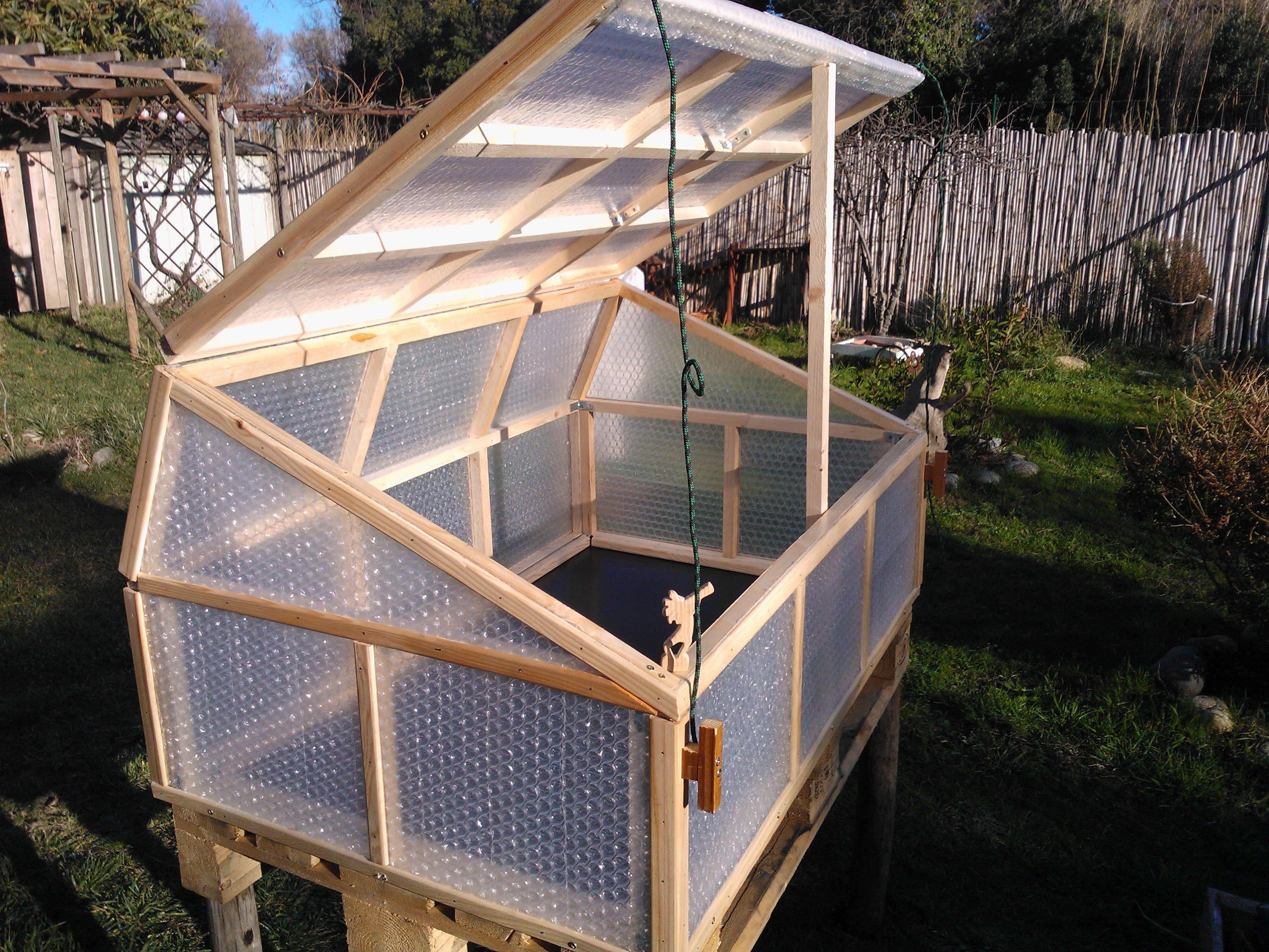 Fabrication D Une Mini Serre Serre Jardin Mini Serre Jardins