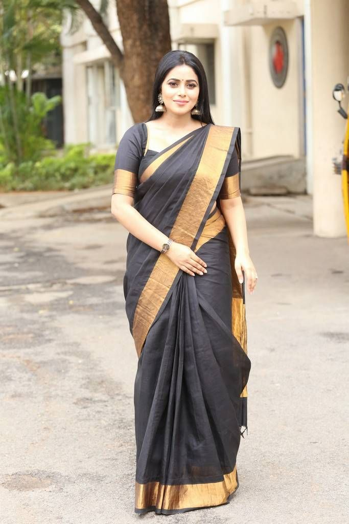 Beautiful Kannur Girl Poorna In Transparent Black Saree | Bollywood