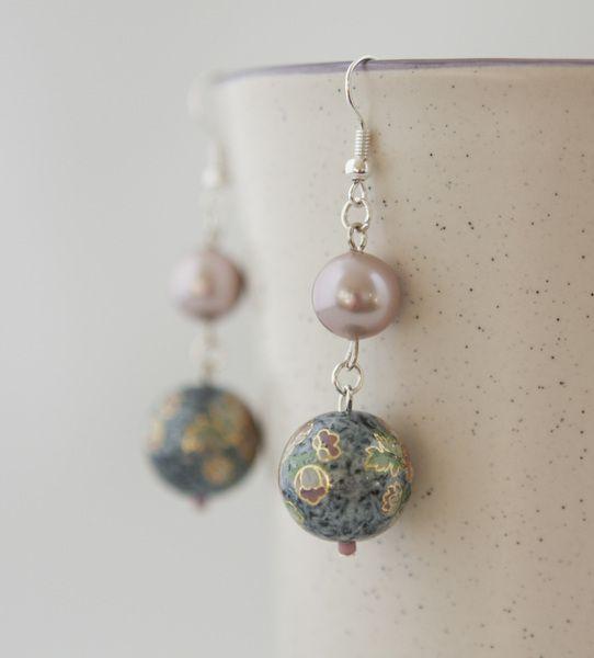 Blue Marble Perlen und Rosen Ohrringe von Maffa auf DaWanda.com