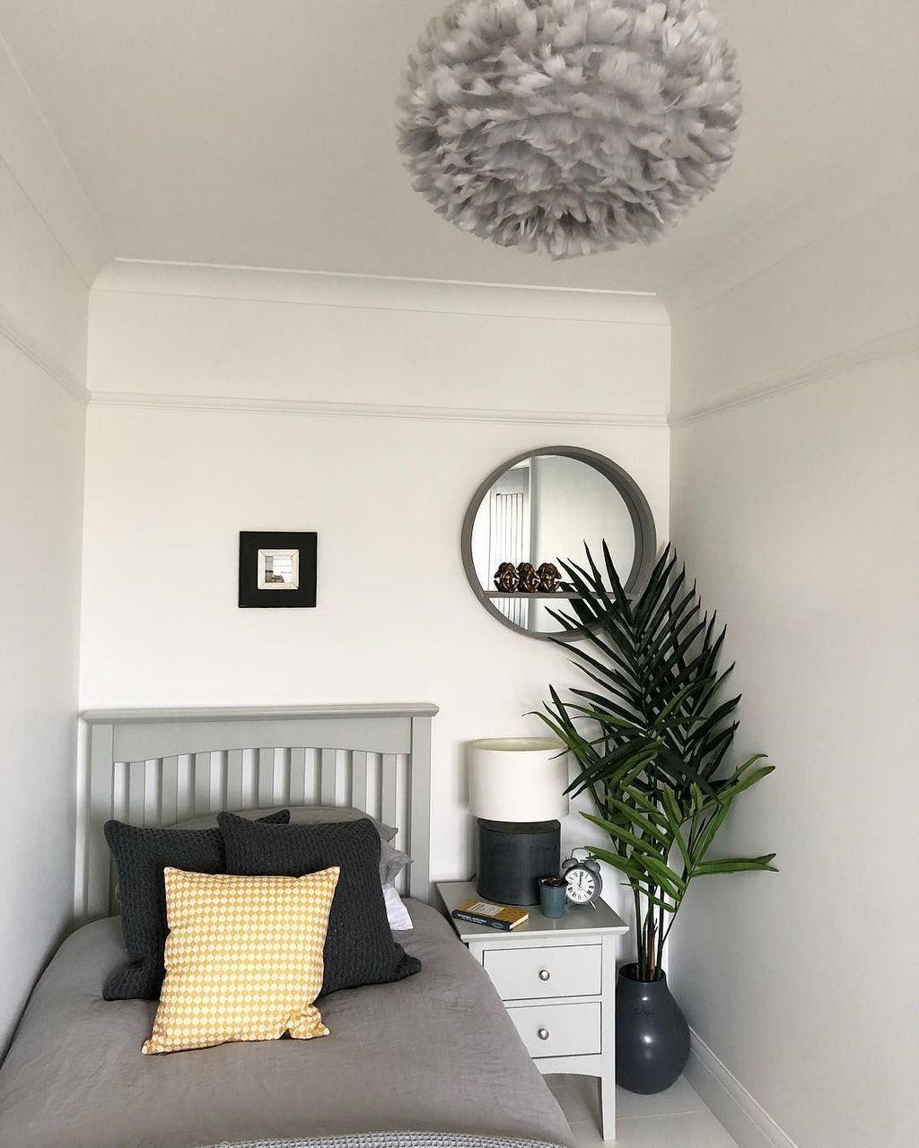 33 Inspiring Elegant Small Bedroom Decor Ideas You Must See Small Master Bedroom Small Bedroom Small Room Bedroom