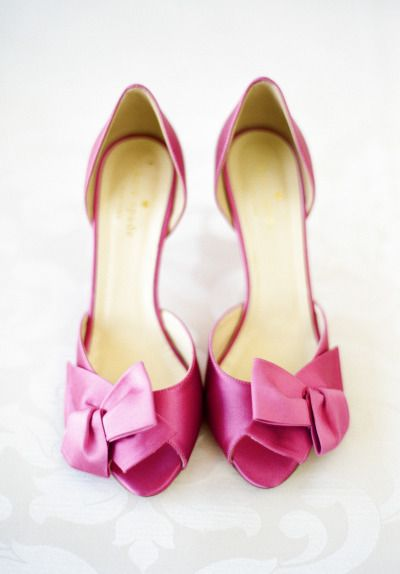 Hot pink shoes: http://www.stylemepretty.com/2014/10/27/classic-romance-at-the-hay-adams-hotel/ | Photography: Sweet Tea - http://www.sweetteaphotographybylisamarie.com/