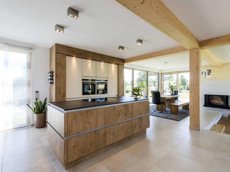 Küche in der Stadtvilla Dornhan von KitzlingerHaus u2022 Mit - küchen aus altholz