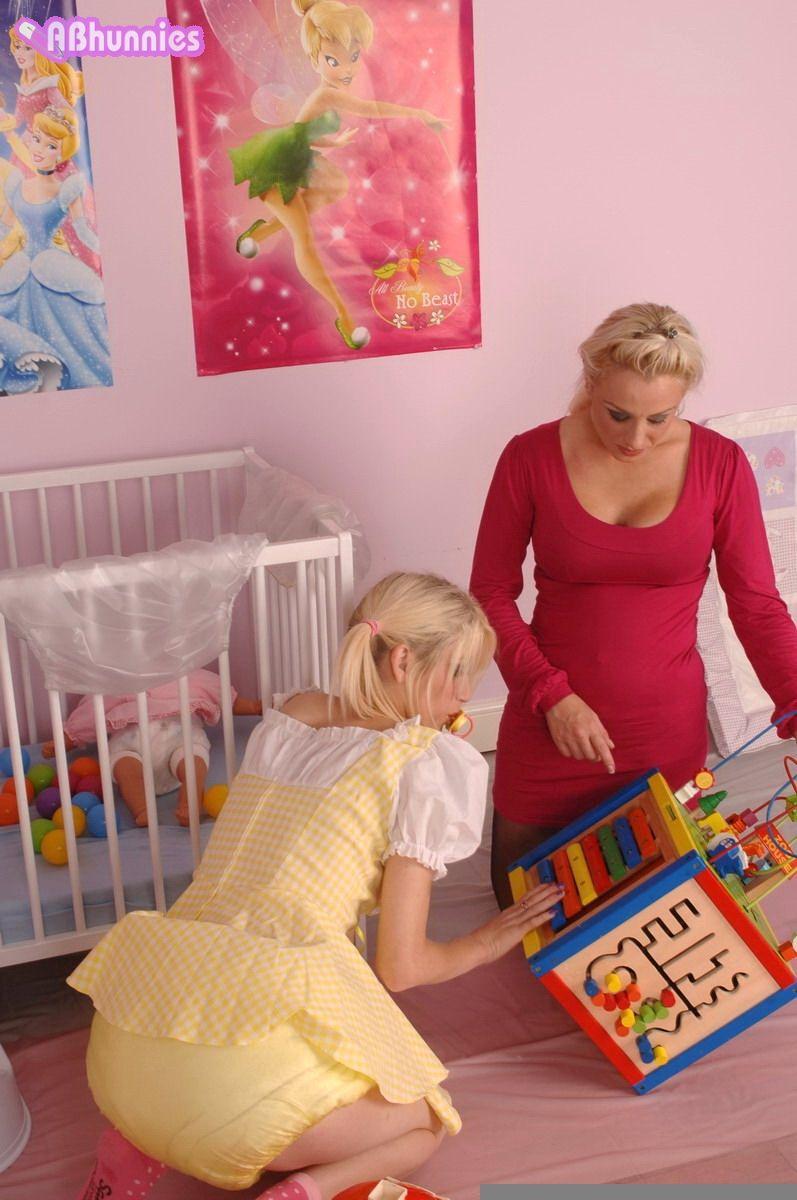 детская игрушка женщина