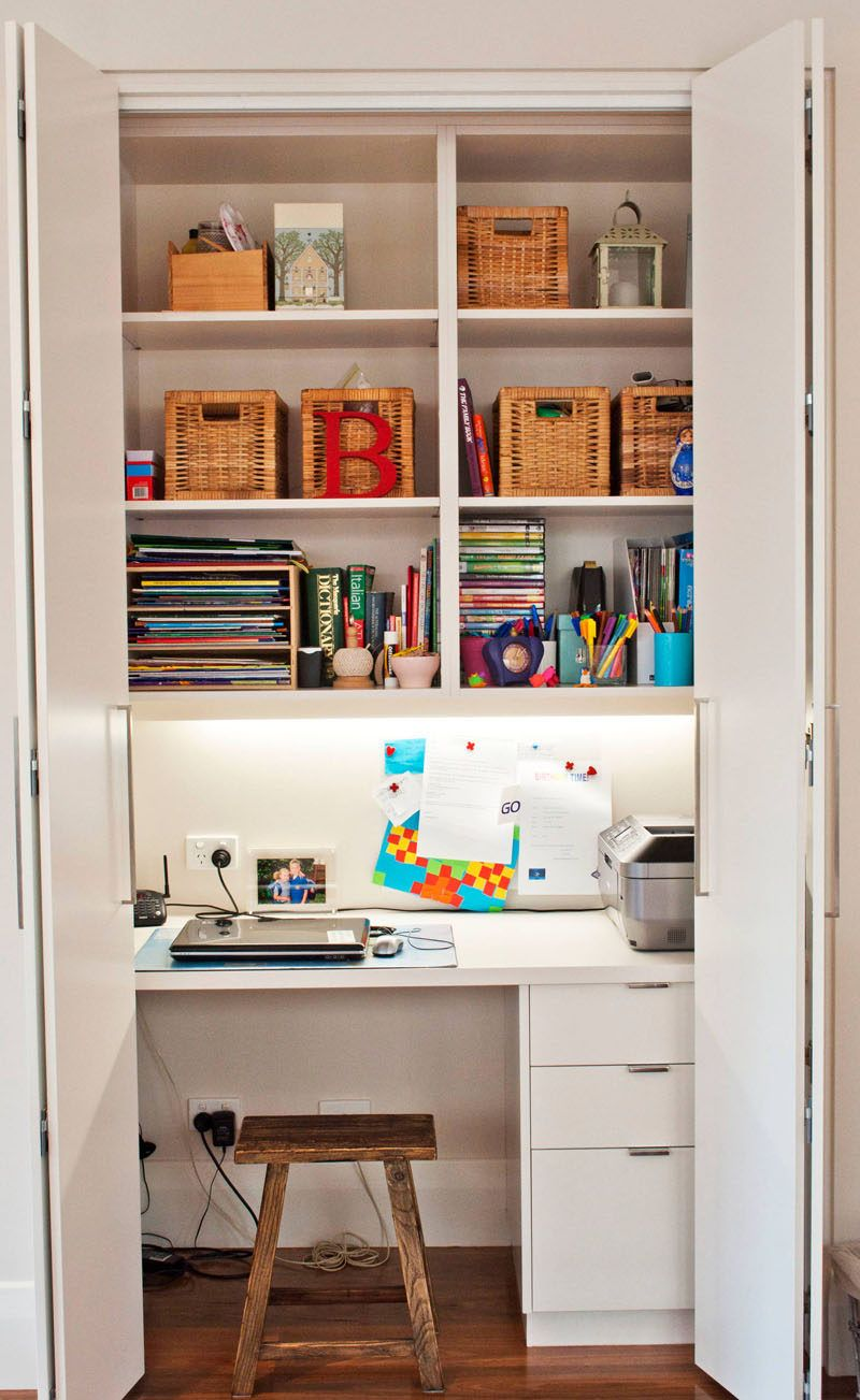 Small Apartment Design Idea Create A Home Office In A Closet Home Office Closet Small Apartment Design Office Cupboards
