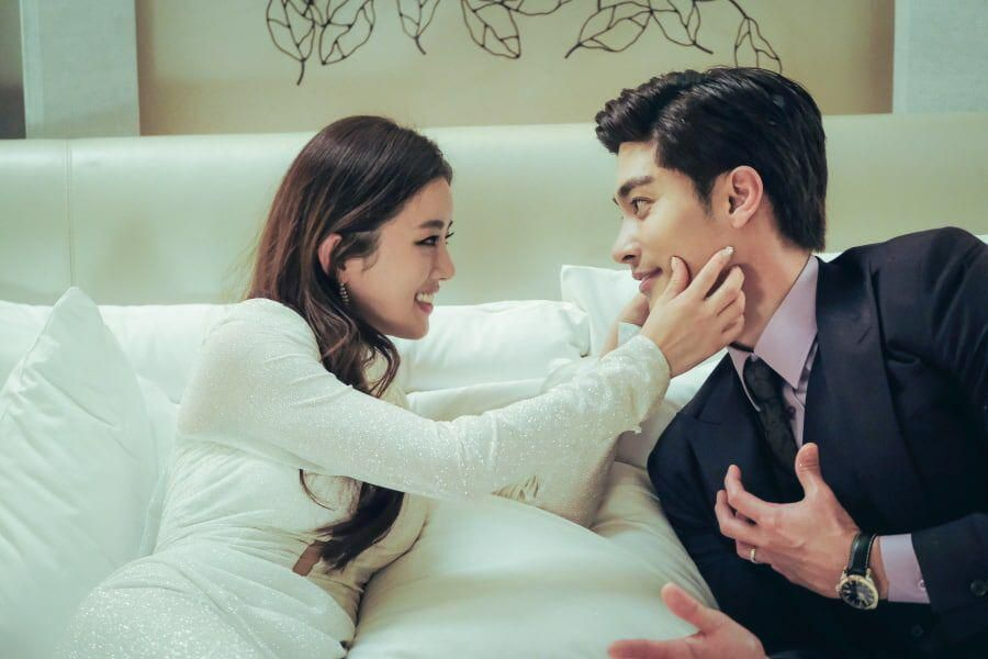 """Sung Hoon And Lee Ga Ryung Are Stunning Newlyweds In New Drama """"Love (Ft. Marriage And Divorce)"""""""