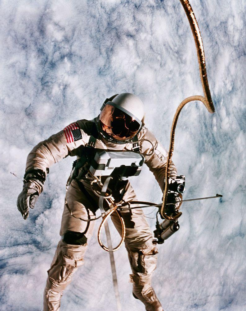 astronaut space love - photo #23