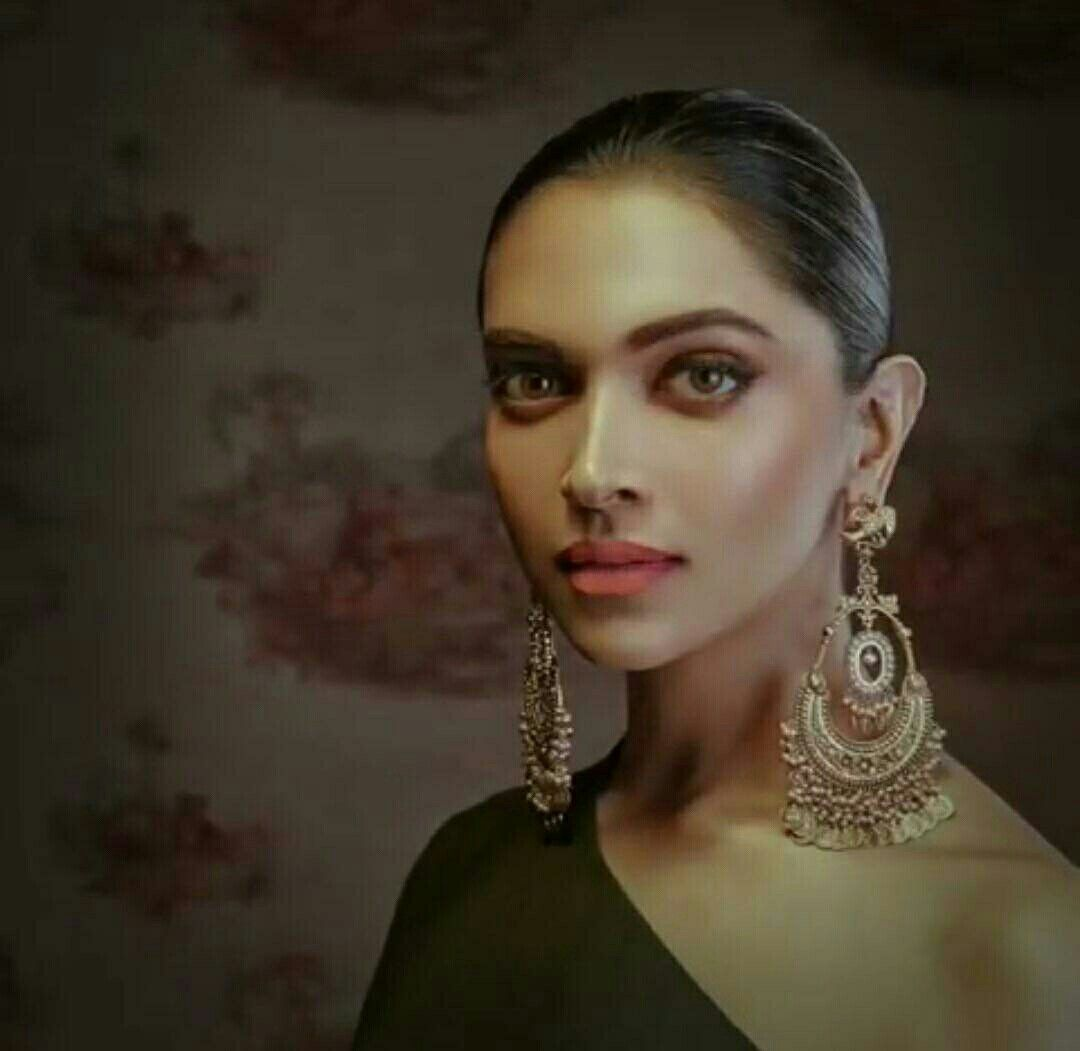 Pin By Tvylv On Indian Fashion Deepika Padukone Style Bridal Jewellery Indian Deepika Padukone