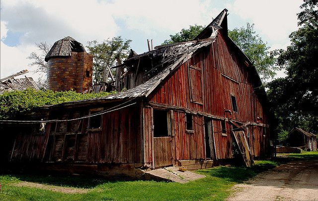 Has Character!!!!  This barn has stories to tell...