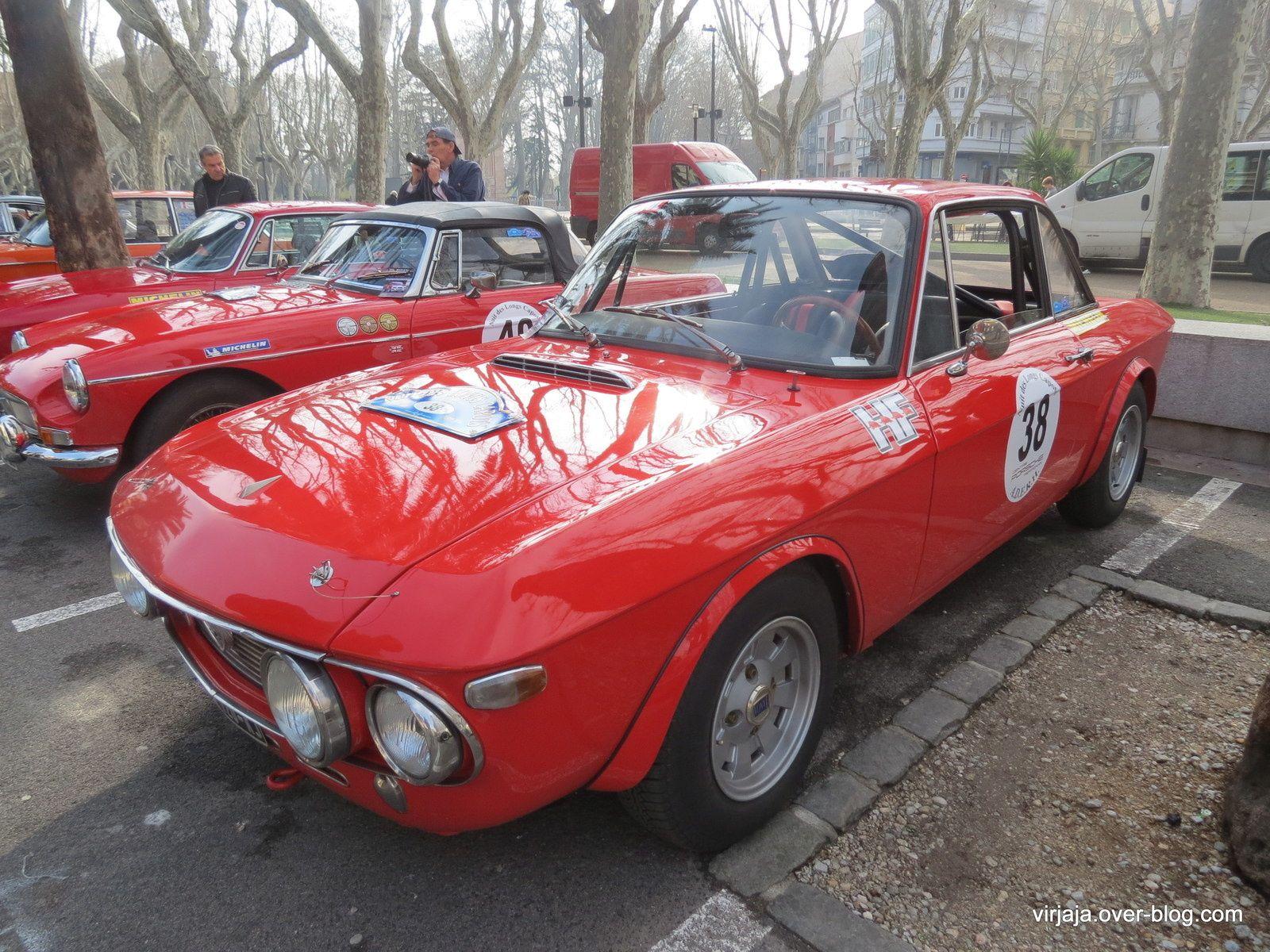 """quelques voitures au départ du rallye """"la nuit des longs capots"""", le week-end dernier à Perpignan la belle """"Puma"""" brésilienne passez un bon vendredi"""