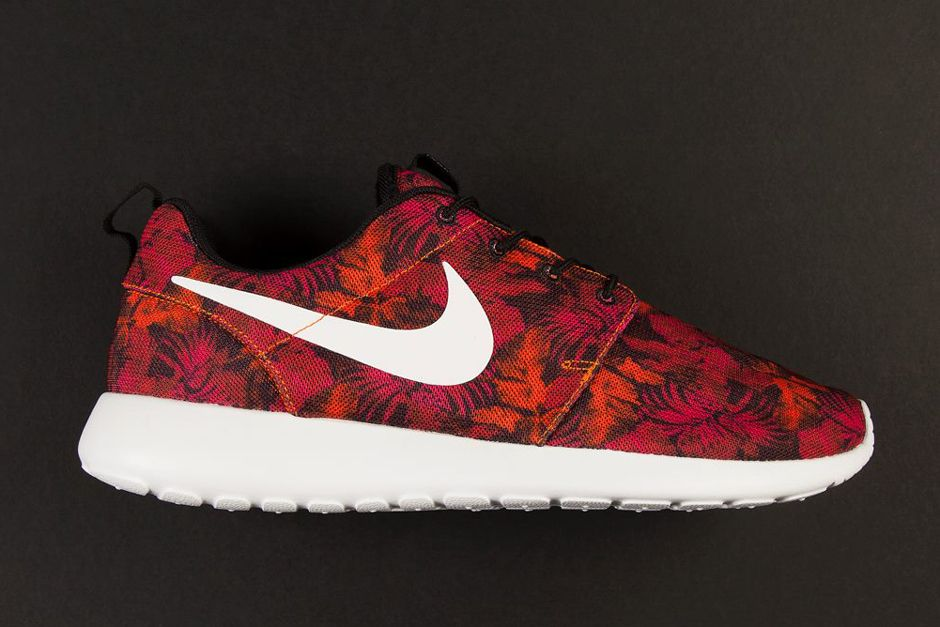 nike floral roshe run uk events