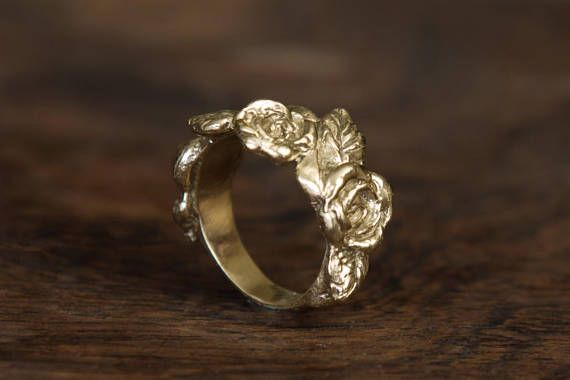 Roses Ring Yellow Gold Design Art Nouveau
