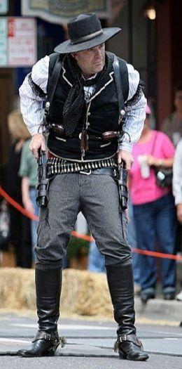 Cowboy action shooting, Cowboy outfits
